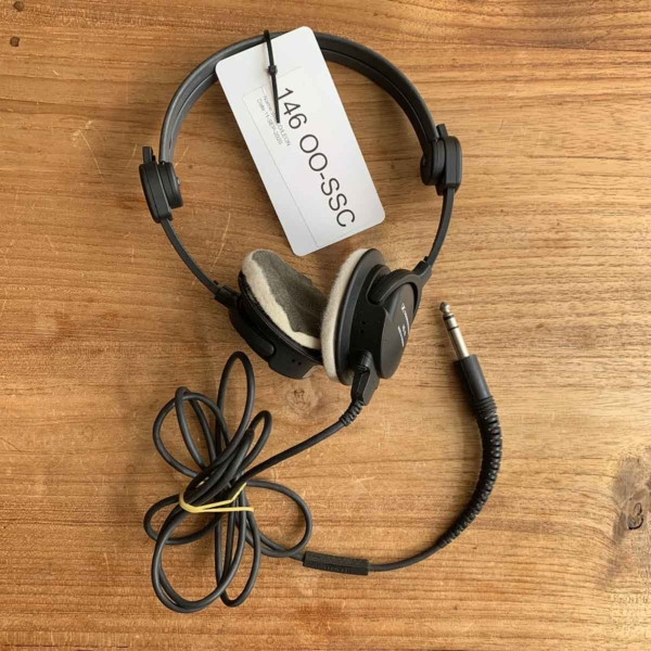 Former Brussels Airlines Sennheiser HD46 aviation headphone including cable.